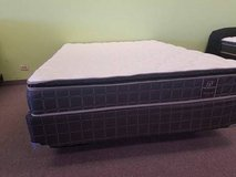 "BRAND NEW! SOFT 9"" QUEEN Pillowtop Mattress *LOW PRICE* FREE DELIVERY! in Chicago, Illinois"