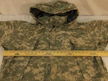 army issue extreme cold/wet weather level 6 gen iii large-reg ucp pattern jacket  00243 in Huntington Beach, California