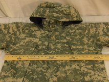 nwot army issue extreme cold/wet weather level 6 medium-reg acu pattern jacket  00244 in Huntington Beach, California