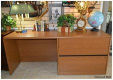 Large Office Desk in The Woodlands, Texas