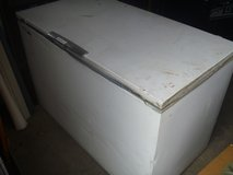 montgomery ward signature 18 cu. ft. chest freezer - white 80358 in Huntington Beach, California