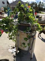 Planter Washer in Kingwood, Texas
