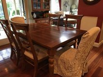 : ) Lg.Wood Kitchen/Dining Room Table Set W/6 Chairs & Leaf >>>Very Nice !!! in Naperville, Illinois