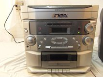 emerson 6 disc direct access cd changer/radio/tape player no remote / speakers  00155 in Huntington Beach, California