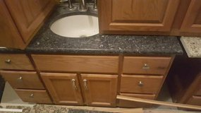 *BEAUTIFUL*VANITY CABINETS,MAKE~UP TABLE,GRANITE,SINK,ECT... in Morris, Illinois
