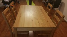 Dining table with 4 chairs in Bellaire, Texas