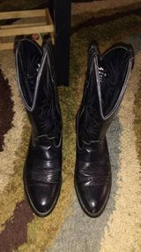 MEN'S WESTERN BOOTS & LADIES SHOES in Barstow, California