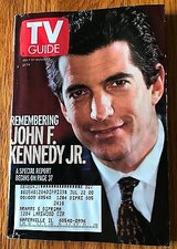 John F. Kennedy Jr., Buffy the Vampire Slayer, Elizabeth Hubbard - 1999 TV Guide in St. Charles, Illinois
