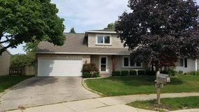 Naperville 5 Bedroom, 3 bathroom, Basement, Fenced Yard, Pet Friendly in Westmont, Illinois