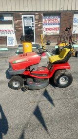 Scotts 42 inch Riding Lawn Mower in Hinesville, Georgia