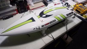"30"" Fast Electric RC Boat in Joliet, Illinois"