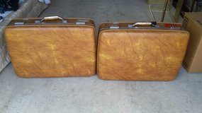 2 Hard Shelled American Tourister Suit Cases in Morris, Illinois