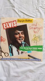 ELVIS SINGS FOR CHILDREN AND GROWNUPS TOO Pic Slv & 45 in Yucca Valley, California