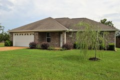Beautiful 3BR/2BA short drive to Ft. Polk! in Leesville, Louisiana