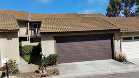 3BR/3bath Townhome! 2 Car Garage! 1 Mile to Downto in Camp Pendleton, California
