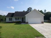 4 BD on a corner lot! Sits on over half an acre! in Camp Lejeune, North Carolina