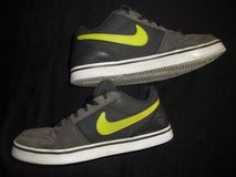 Nike Shoes Boys size YOUTH 6 Gray w/ Green Swoosh in Silverdale, Washington