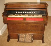 ANTIQUE LATE 1800's STORY & CLARK PUMP ORGAN - Chicago in Shorewood, Illinois