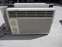 goldstar window a/c r5208  5290 btu, 115 volts 5.0 air conditioner  60378 in Huntington Beach, California