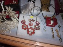 Jewelry Item in Fort Riley, Kansas