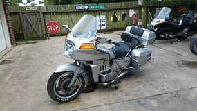 82 Honda Goldwing Interstate----1100cc----BEAUTIFUL BIKE BUT MOTOR MAY BE BLOWN in Houston, Texas