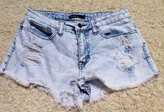 KLIQUE B Denim Light Wash Cut Off Distressed Short Shorts, Small in Aurora, Illinois