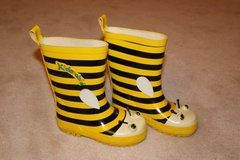 Kidorable rubber rain boots Bumble Bee in Fairfax, Virginia