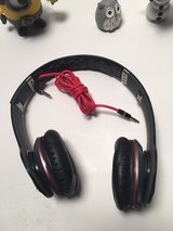 beats dr. dre solo hd drenched black wired headphones black missing head cushion in Columbus, Georgia