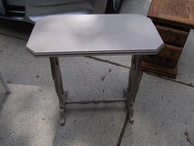 ALL WOOD VINTAGE TABLE in Tinley Park, Illinois