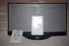 white backlight ipod classic / black bose sounddock stereo system 4000+ songs 00115 in Fort Carson, Colorado