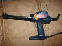 RYOBI 18v CAULK GUN in Shorewood, Illinois