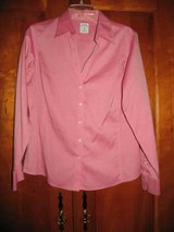 brooks brothers women dress shirt fitted non-iron v-cut pink size 12 MAKE AN OFFER in Cochran, Georgia