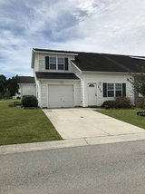 Pet Friendly! Gated Community. Minutes to Camp Lejeune's 172 Gate. in Camp Lejeune, North Carolina