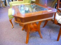 Beautiful End Table (s) in Elgin, Illinois