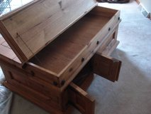 RUSTIC/UNIQUE COFFEE TABLE - moving must sell in Bolingbrook, Illinois