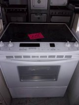 Kitchen Aide Glass Top Electric Stove in Fort Riley, Kansas