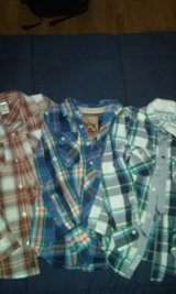 lot of 3 boys button-down cotton name brand shirts size  s 7/8 in Byron, Georgia