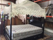 Beautiful Queen Sized Four Post Canopy Bed in Tacoma, Washington