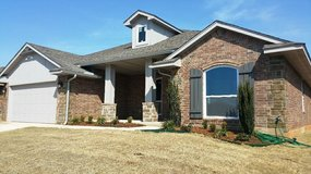 Family Home Mustang SD 30 Minutes from Tinker AFB in Rosenberg, Texas