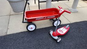 **   RADIO FLYER WAGON AND SCOOTER in Elgin, Illinois