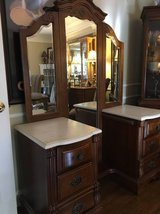 ~STANLEY FURNITURE VANITY WITH MIRROR~MARBLE TOP >>>Very Nice !!! in Bolingbrook, Illinois
