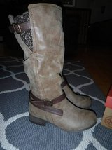NEW SO Women's Brown Boots - Size 8 in CyFair, Texas