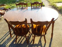 Table and 4 vintage Wood Chairs*2 Leaf*Ex Cond*Big Table in Fort Leonard Wood, Missouri