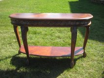 ~GORGEOUS HALF MOON TABLE BY HOOKER FURNITURE~ in Morris, Illinois