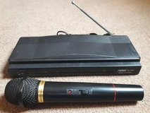 Wireless Microphone With Wireless Receiver in Clarksville, Tennessee