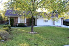 120 Kimberly AVAILABLE NOW!!! in Rosenberg, Texas