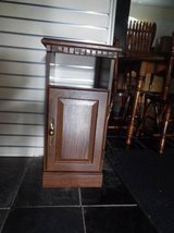 Night Stand*Bed Table*Excellent Condition* in Fort Leonard Wood, Missouri