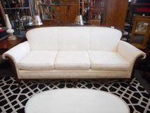 Splendid Victorian Sofa in Sugar Grove, Illinois