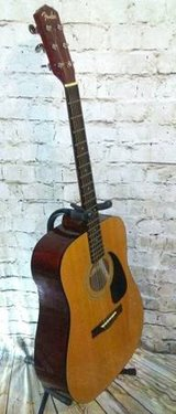 Fender DG-8 NAT Acoustic Guitar in Fort Campbell, Kentucky