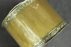 craft ribbon wired edge 2.5 inch x 9 feet gold trim bows crafts wreaths new in Kingwood, Texas